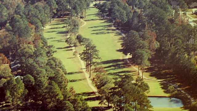 Pinewood country club reviews course info golfnow for Club piscine st constant