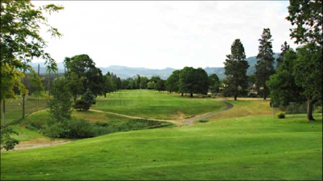 Oak Knoll Golf Course (Ashland)
