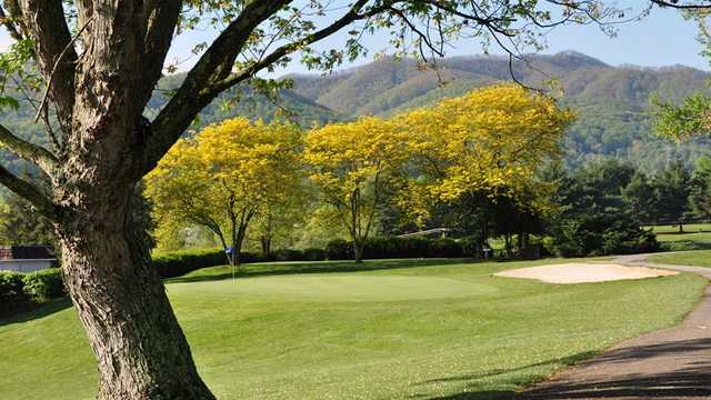 Pine Oaks Golf Club